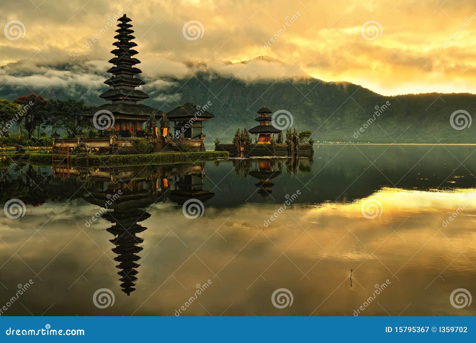 Bali bratan danu pura świątynna ulun woda
