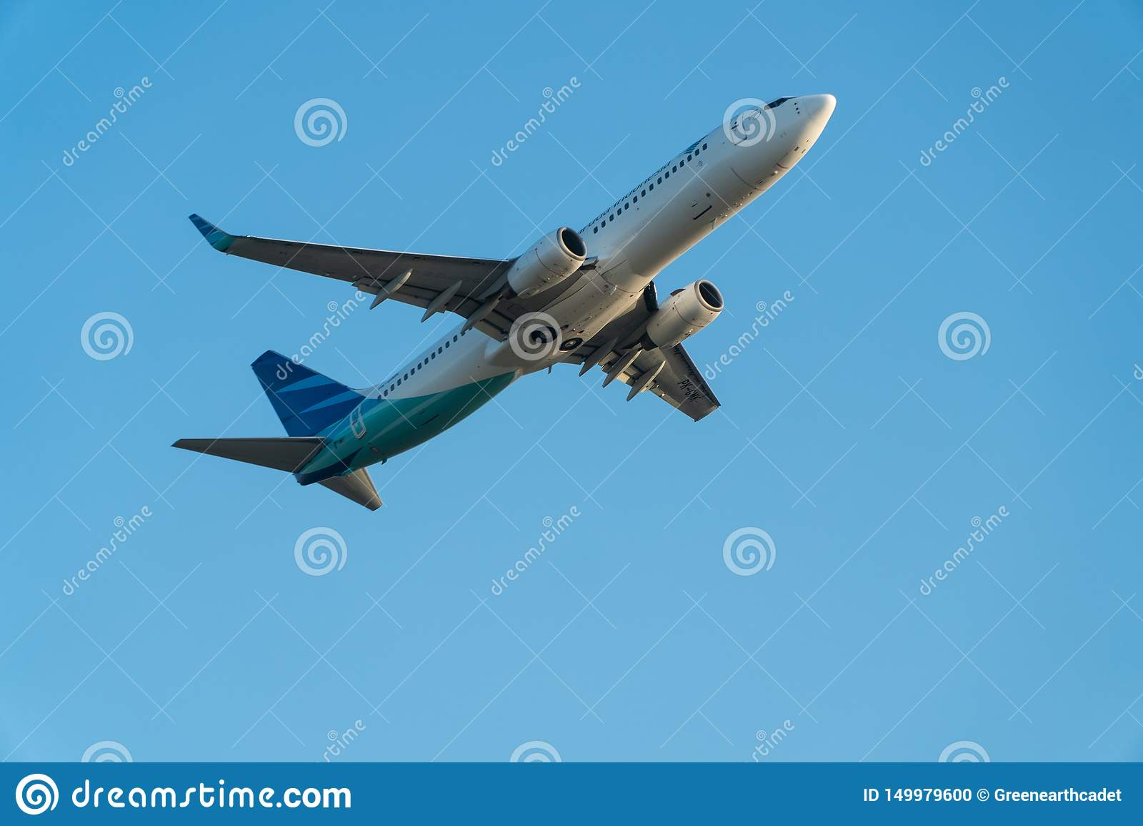BALI/INDONESIA- 6 ΙΟΥΝΊΟΥ 2019: Το Garuda Ινδονησία, μια από τις αερογραμμές στην Ινδονησία που προσχωρεί στην ομάδα ουρανού, πετ