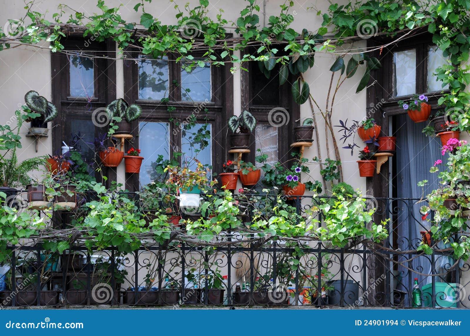 balkon-garten stockfoto. bild von außen, wohn, retro - 24901994