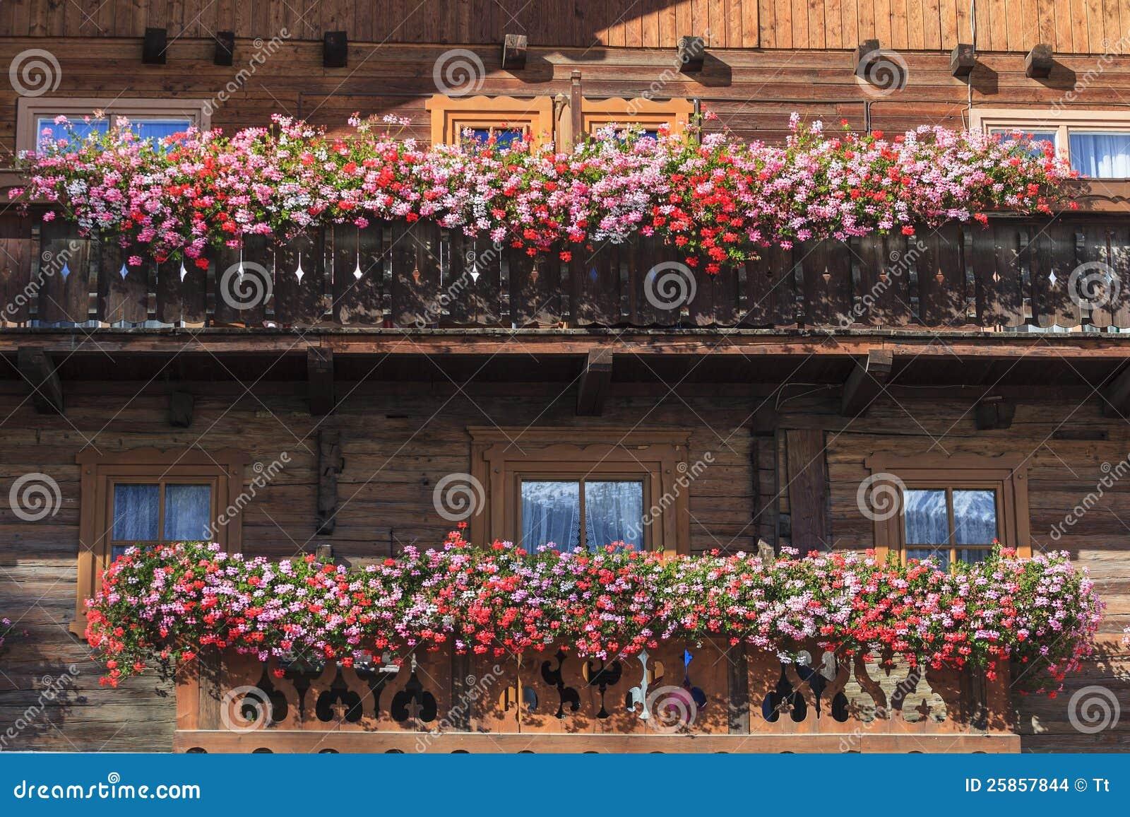 balkon mit blumenk sten stockbilder bild 25857844. Black Bedroom Furniture Sets. Home Design Ideas