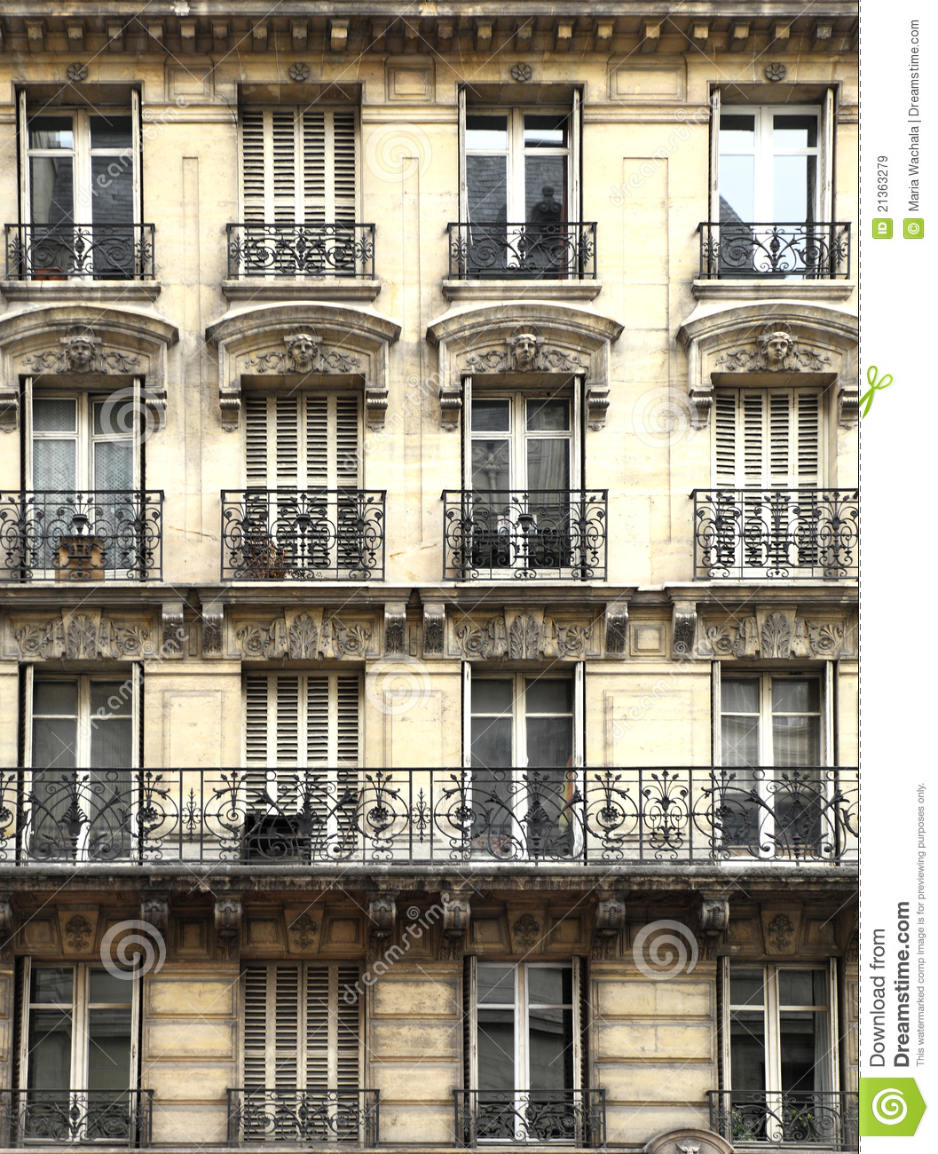 Paris Kind Balkon