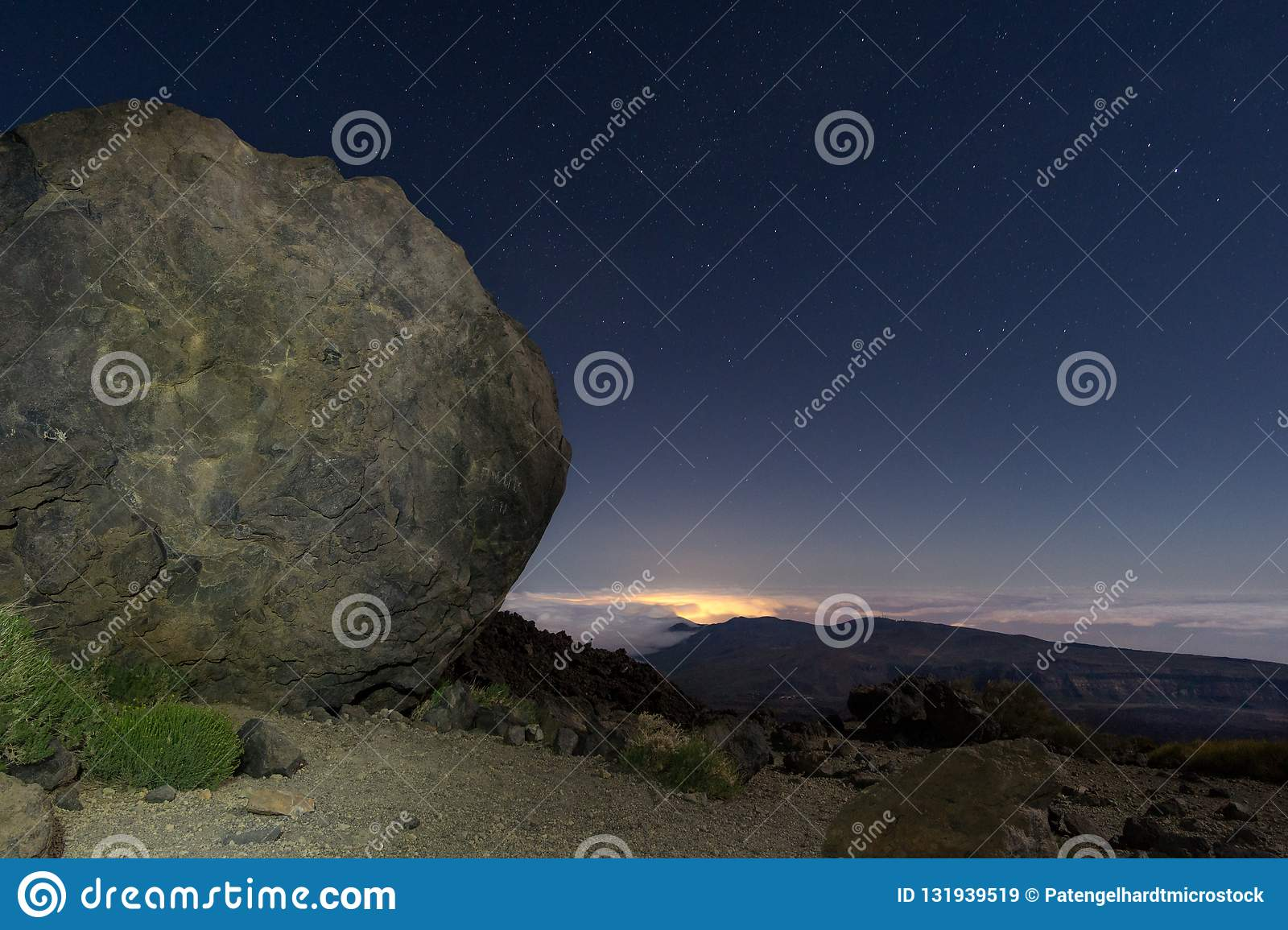 Ball of lava on Teide at night