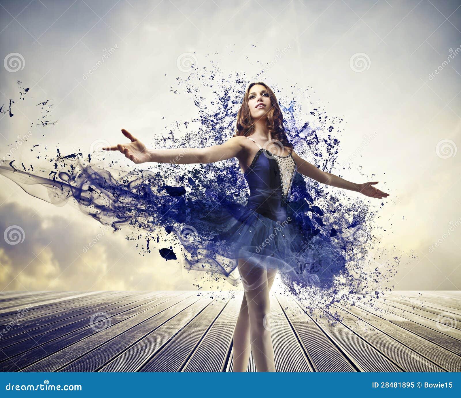 Ballerina Dipinta Blu Fotografia Stock Libera da Diritti - Immagine ...