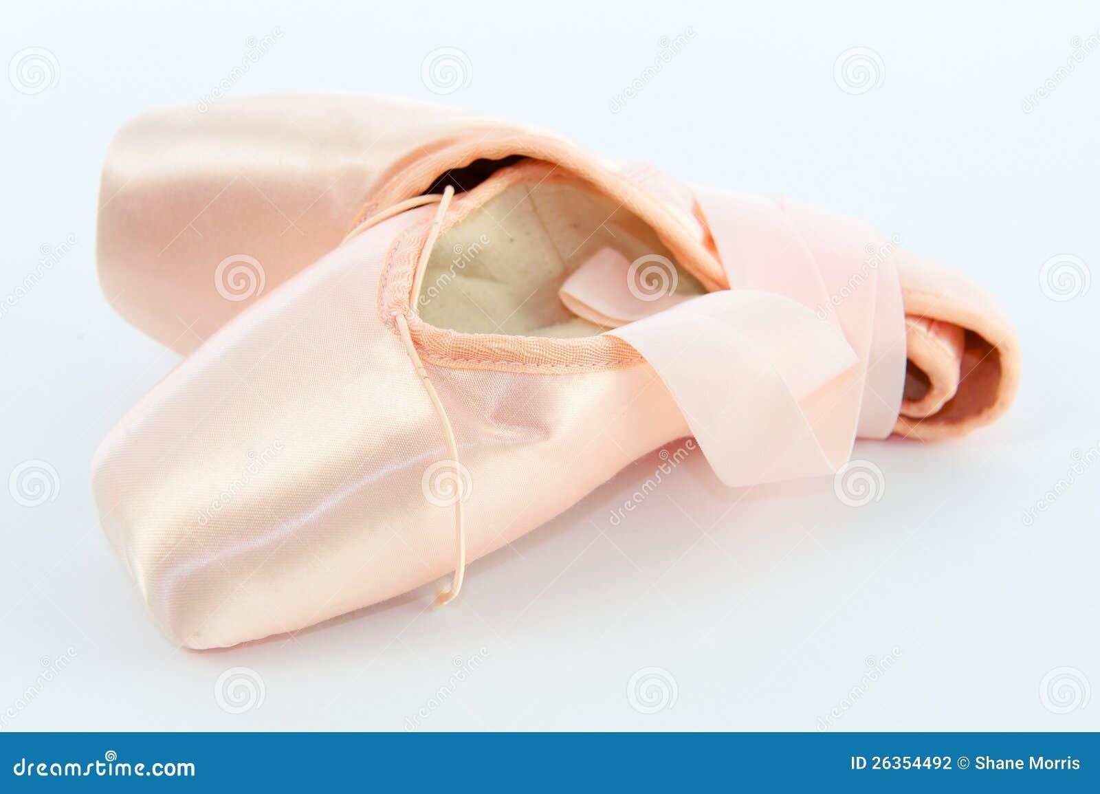 Ballett-Punkt-Schuhe oder Hefterzufuhren