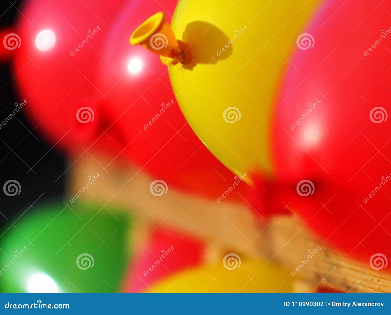 Ballone aufgeblasen in einigem
