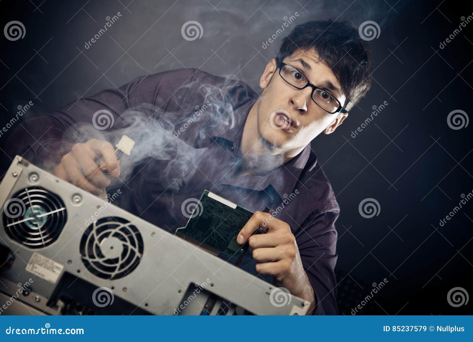 Ballot avec de la fumée sortant de son PC