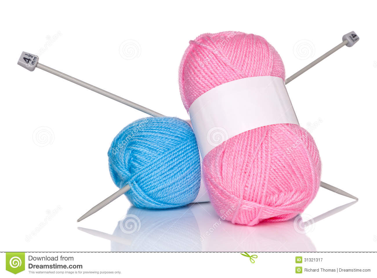 Knitting Wool And Needles : Balls of wool and knitting needles stock image