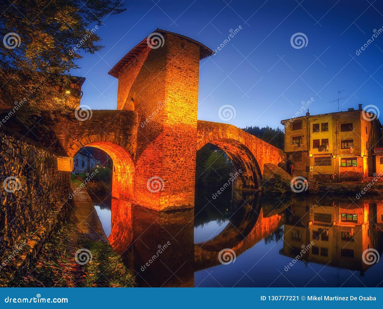 Balmaseda bridge illuminated at night