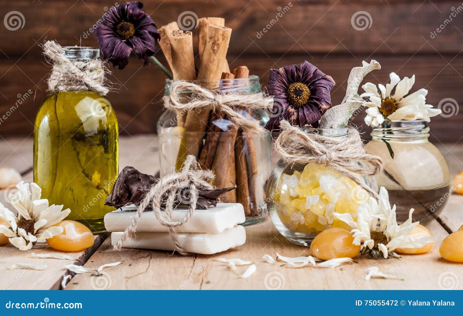 Balneario, aceite, sal de baño, especias, hierbas, jabones hechos a mano