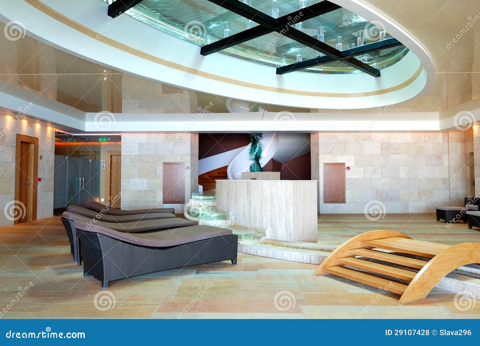 Balneario moderno en el hotel de lujo for Hoteles de lujo modernos