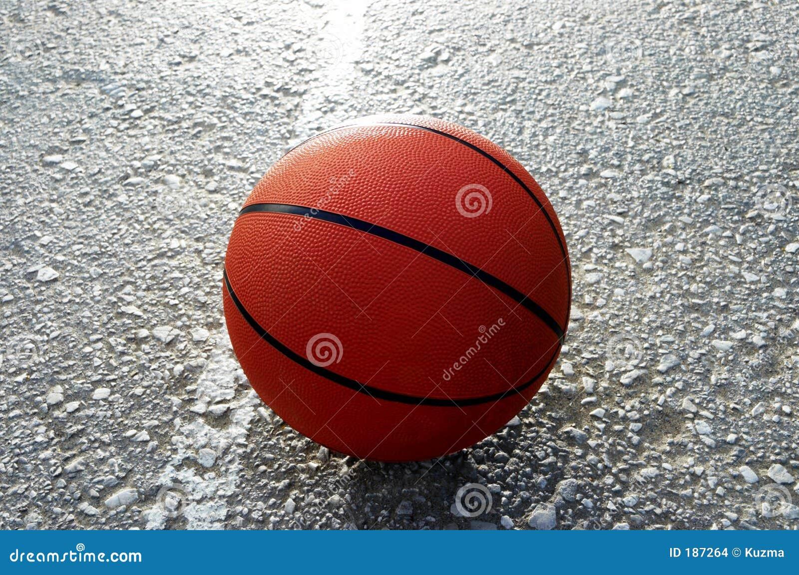 Baloncesto anaranjado
