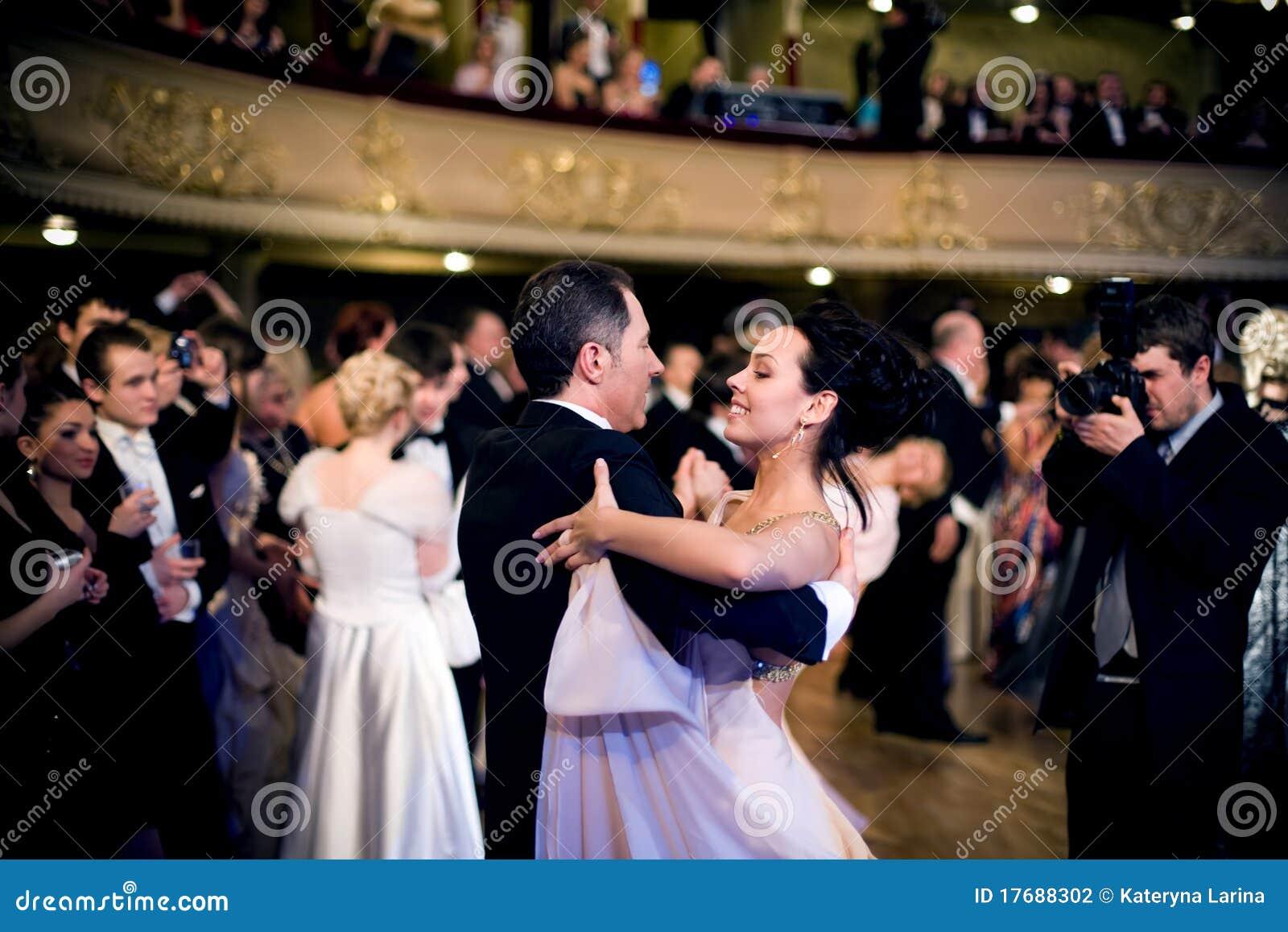 Balowy taniec