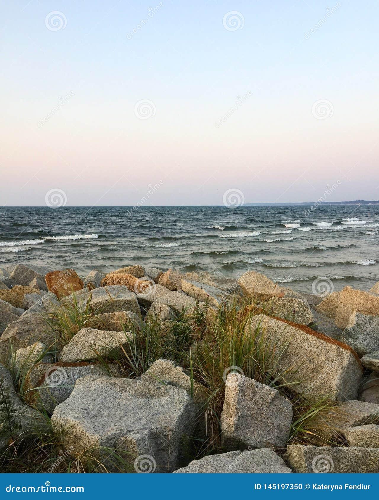 Baltic'soverzees in de laatste maand in de zomer