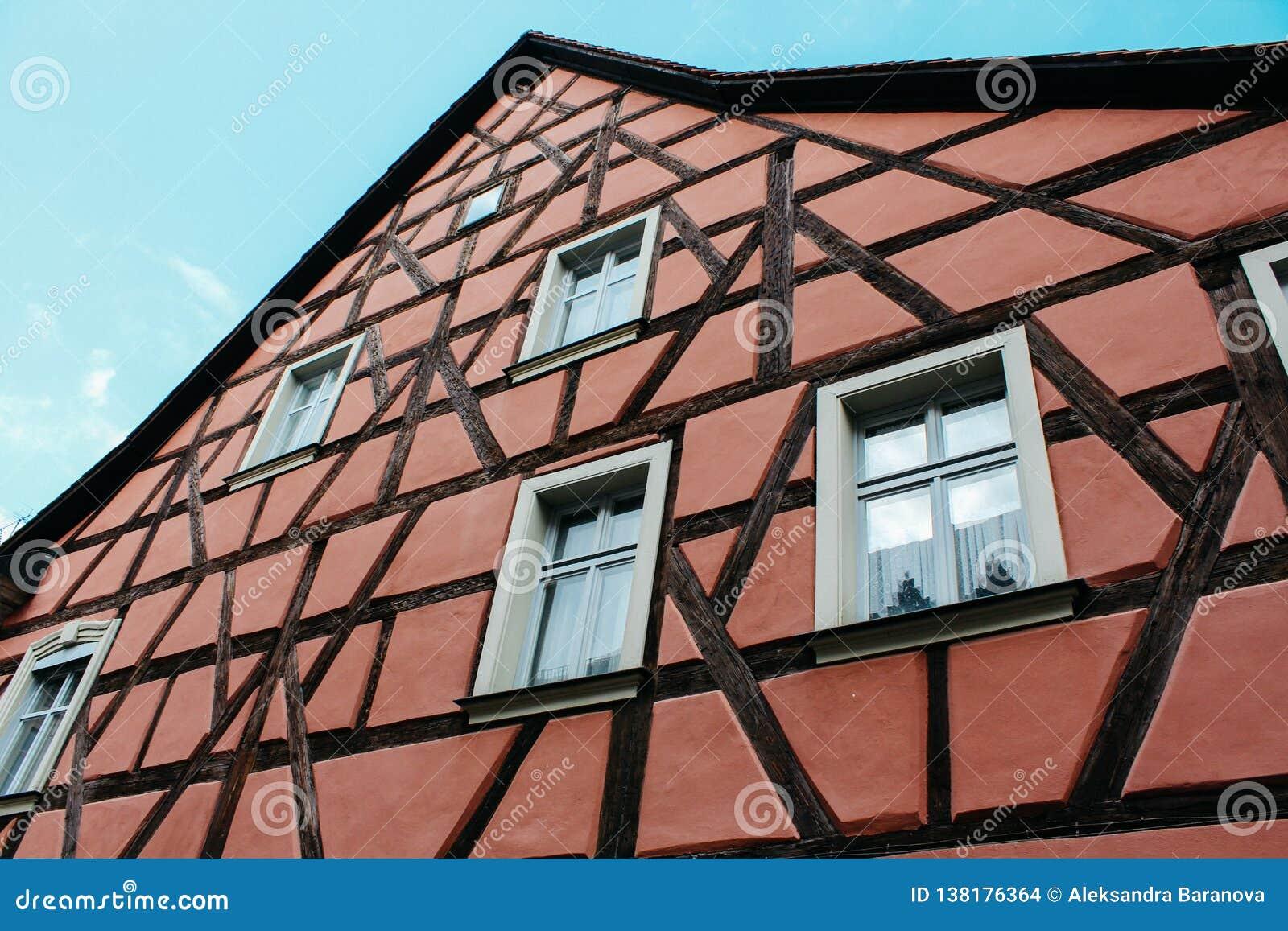Bamberg, Duitsland - 04 01 2013: meningen van de straten van Bamberg in zonnig weer
