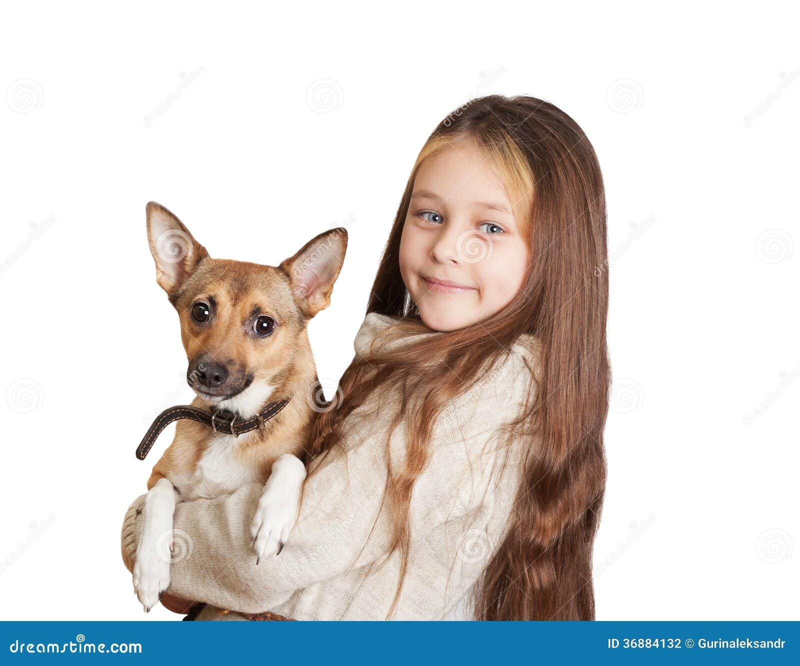Download Bambina Con Peli Lunghi Che Tengono Un Cane Fotografia Stock - Immagine di caucasico, innocence: 36884132