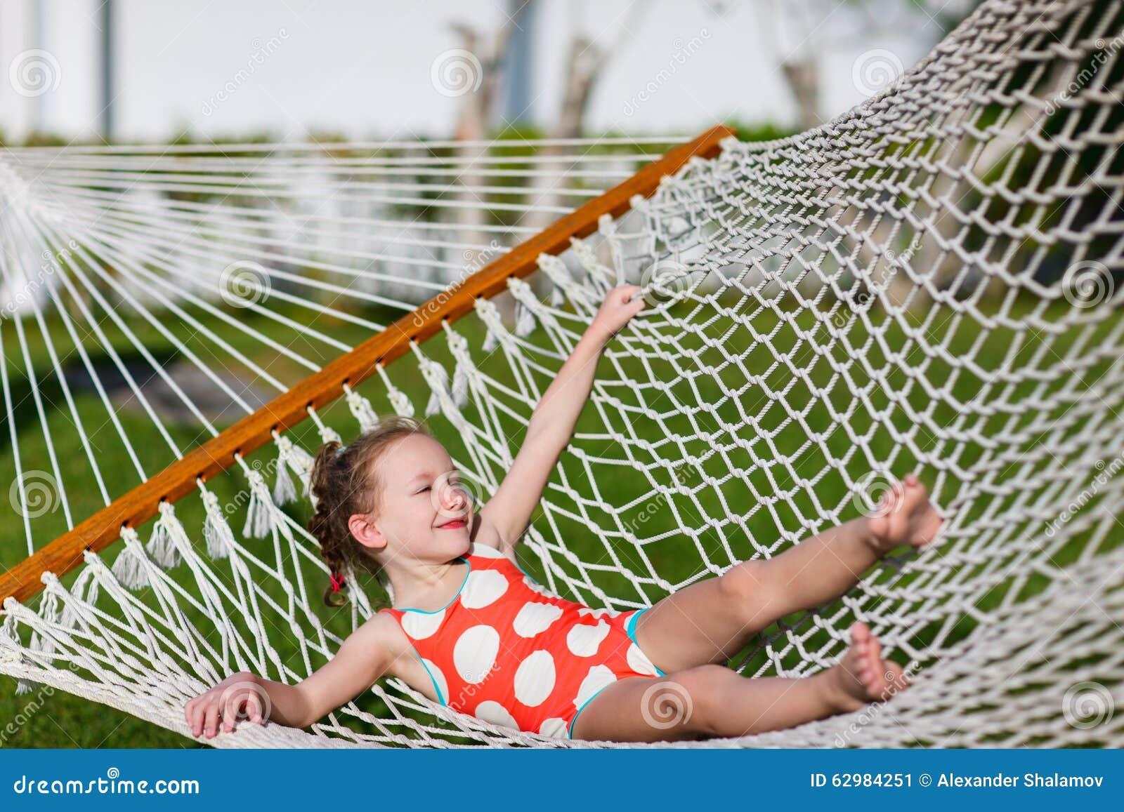 Bambina in hammock