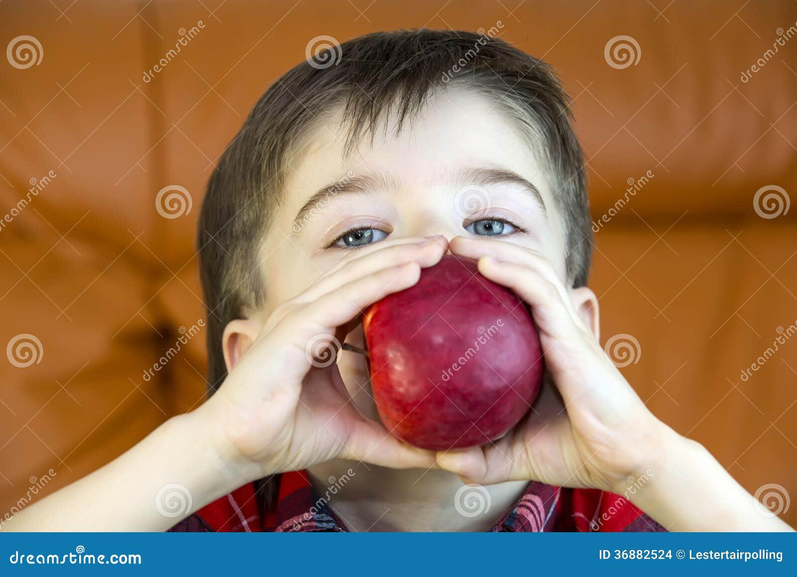 Download Bambini fotografia stock. Immagine di visualizzazione - 36882524