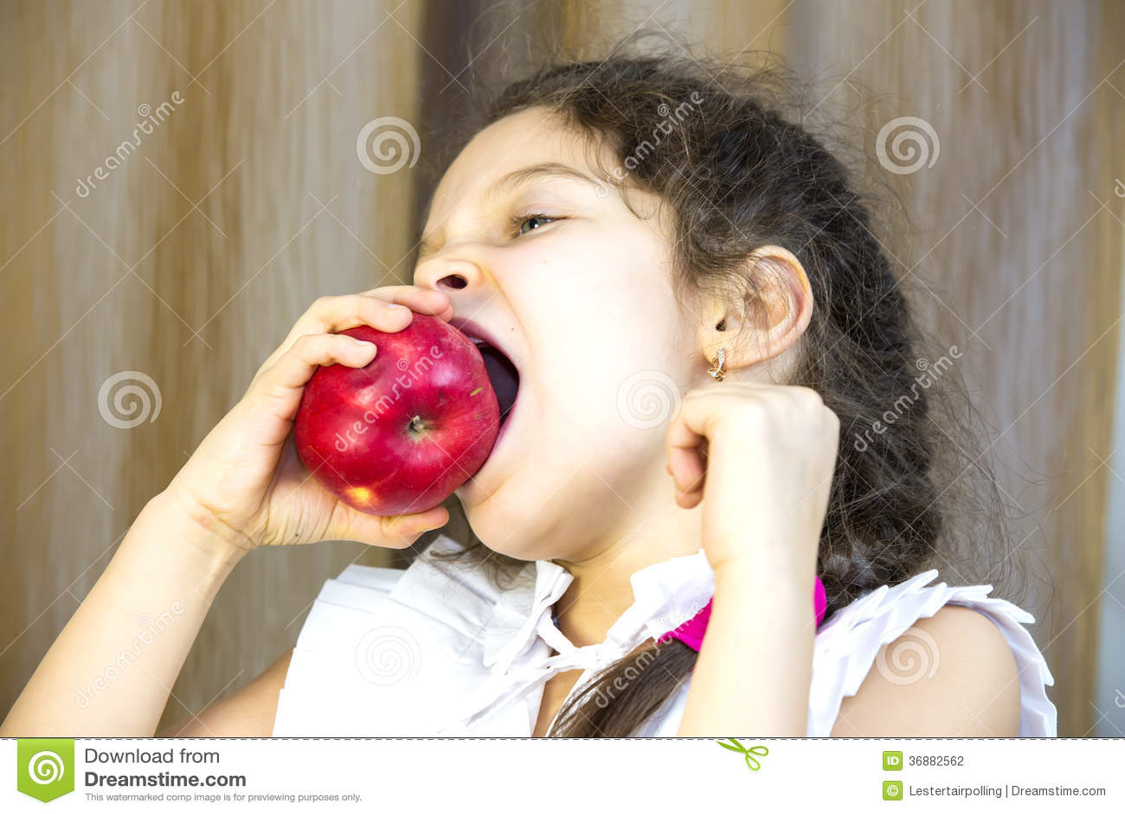 Download Bambini fotografia stock. Immagine di fresco, interno - 36882562
