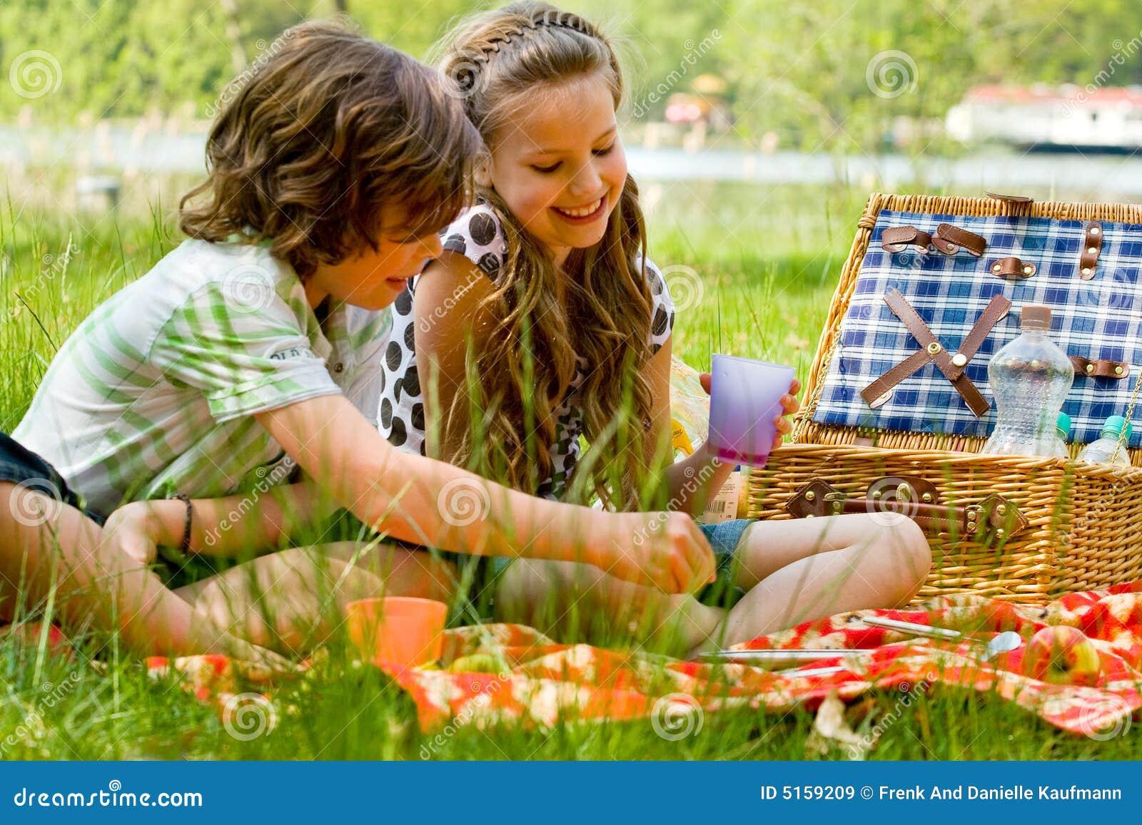 Bambini al picnic