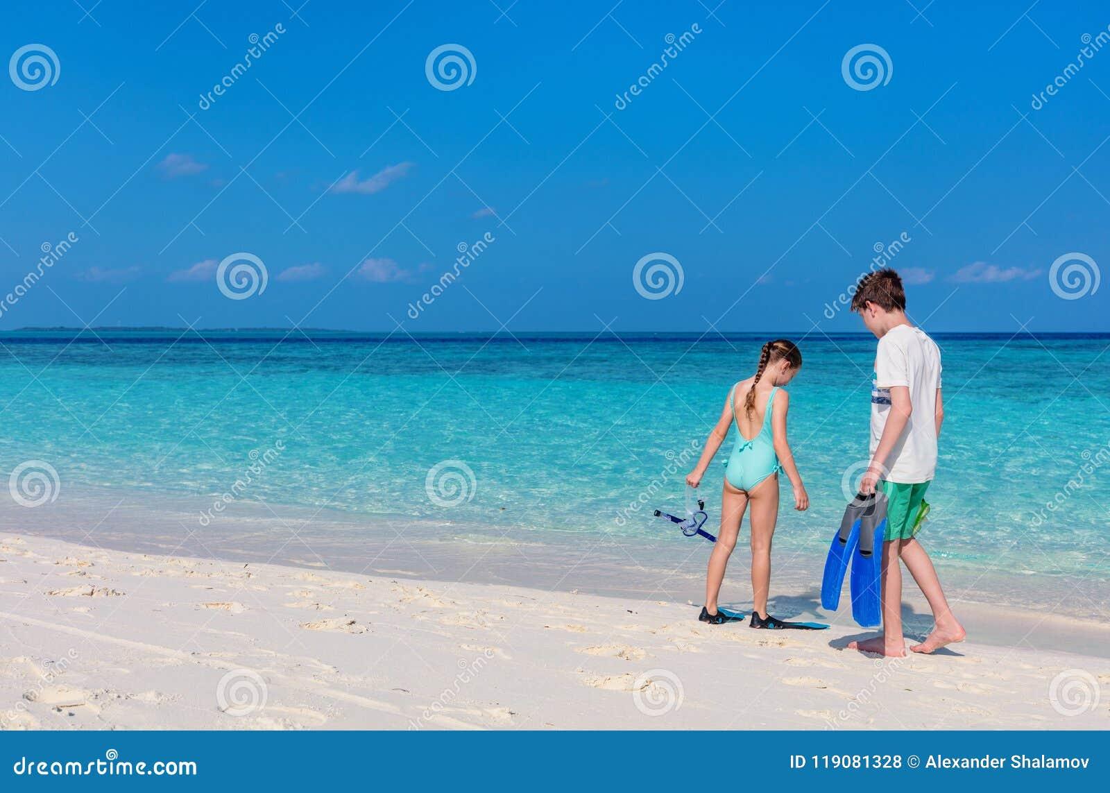 Bambini alla spiaggia