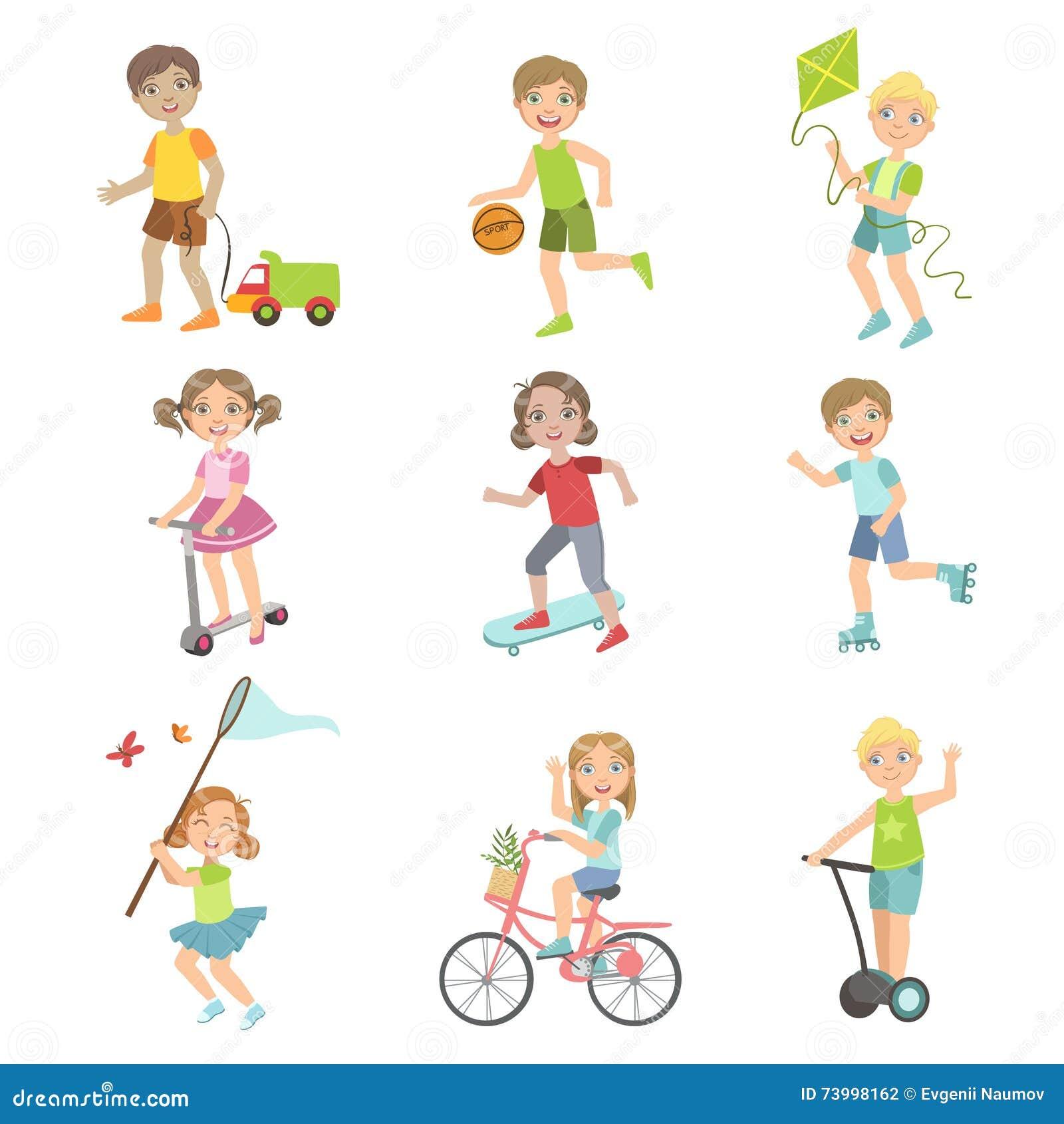 Bambini che giocano l insieme dell esterno