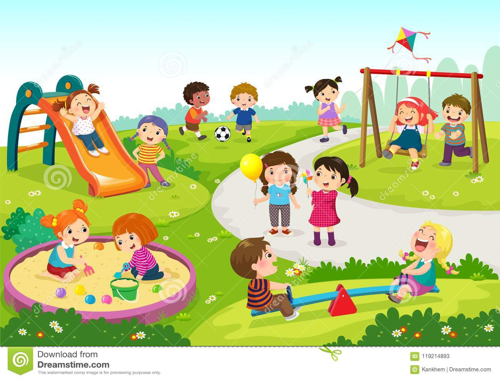 Bambini felici che giocano nel campo da giuoco