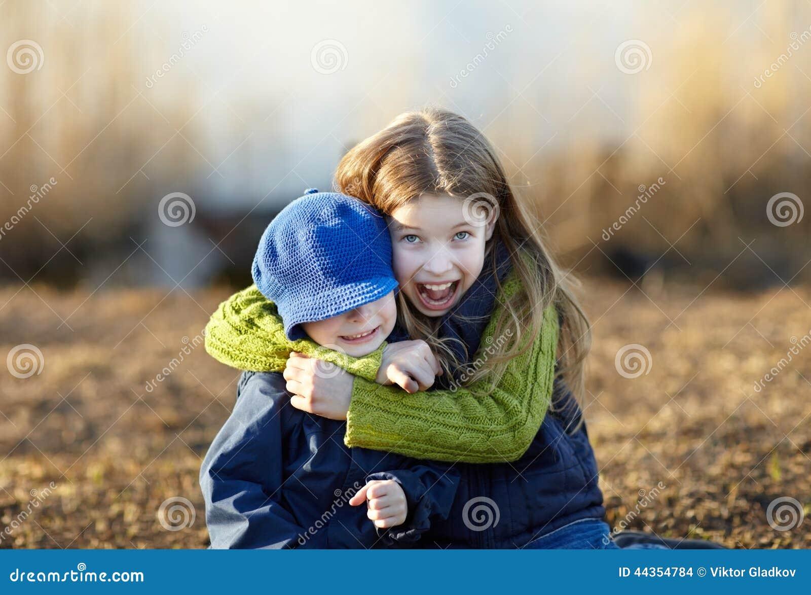 Bambini felici di stile di vita