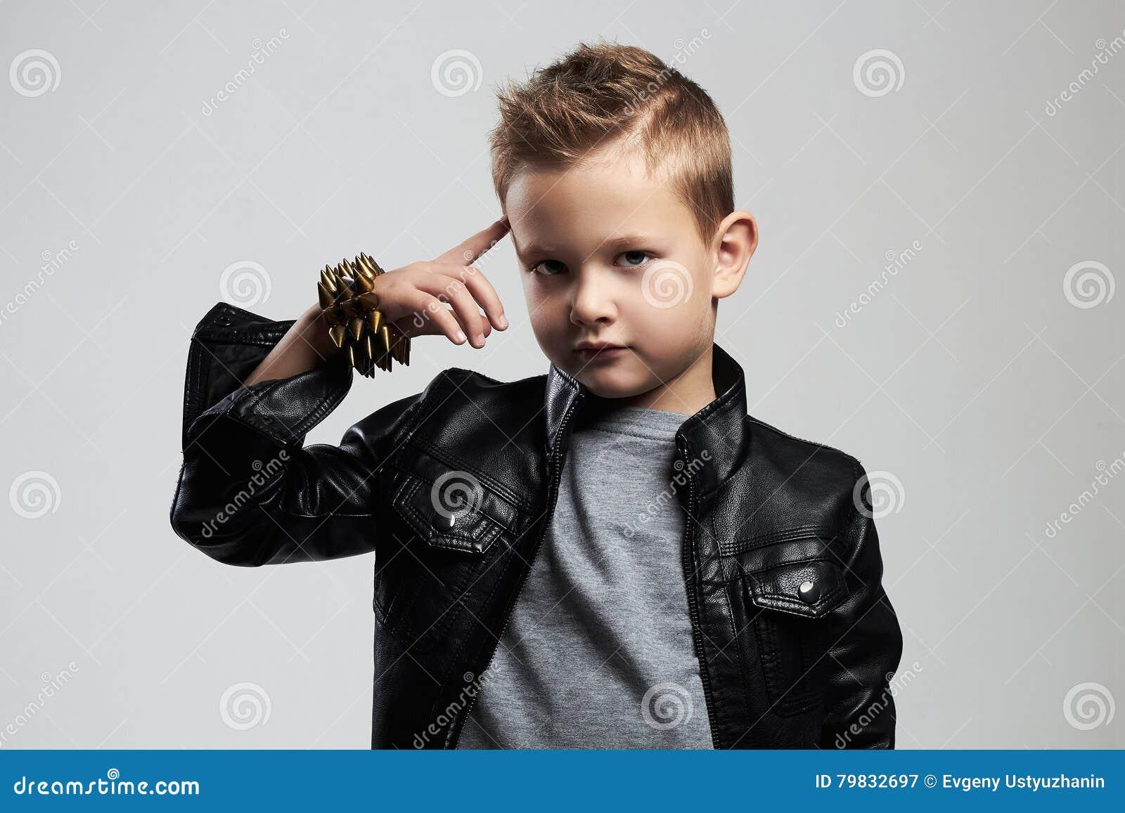 Top Bambino Alla Moda In Cappotto Di Cuoio Bambino Alla Moda Con  BH64