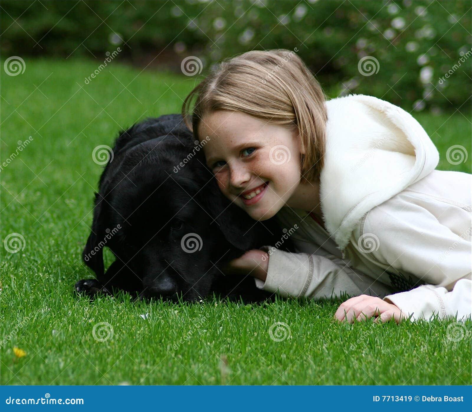 Bambino con il suo cane