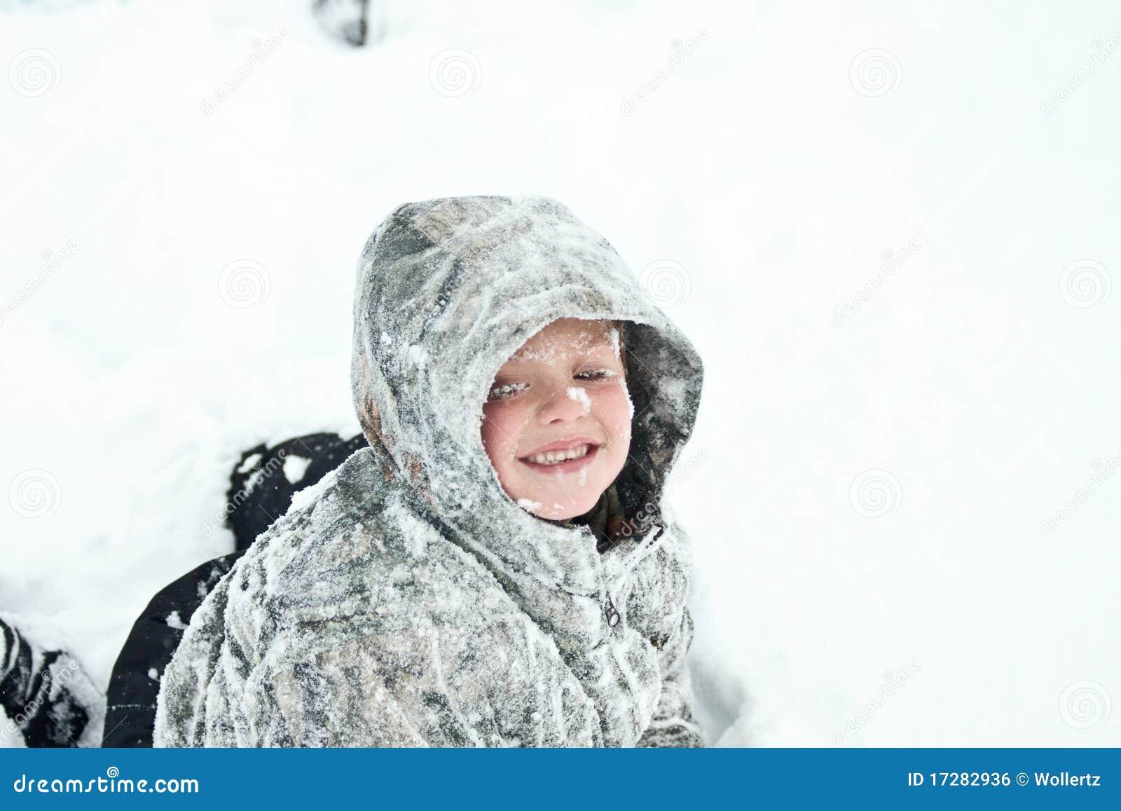 Bambino congelato immagine stock libera da diritti for Konzentrationsschw che kind