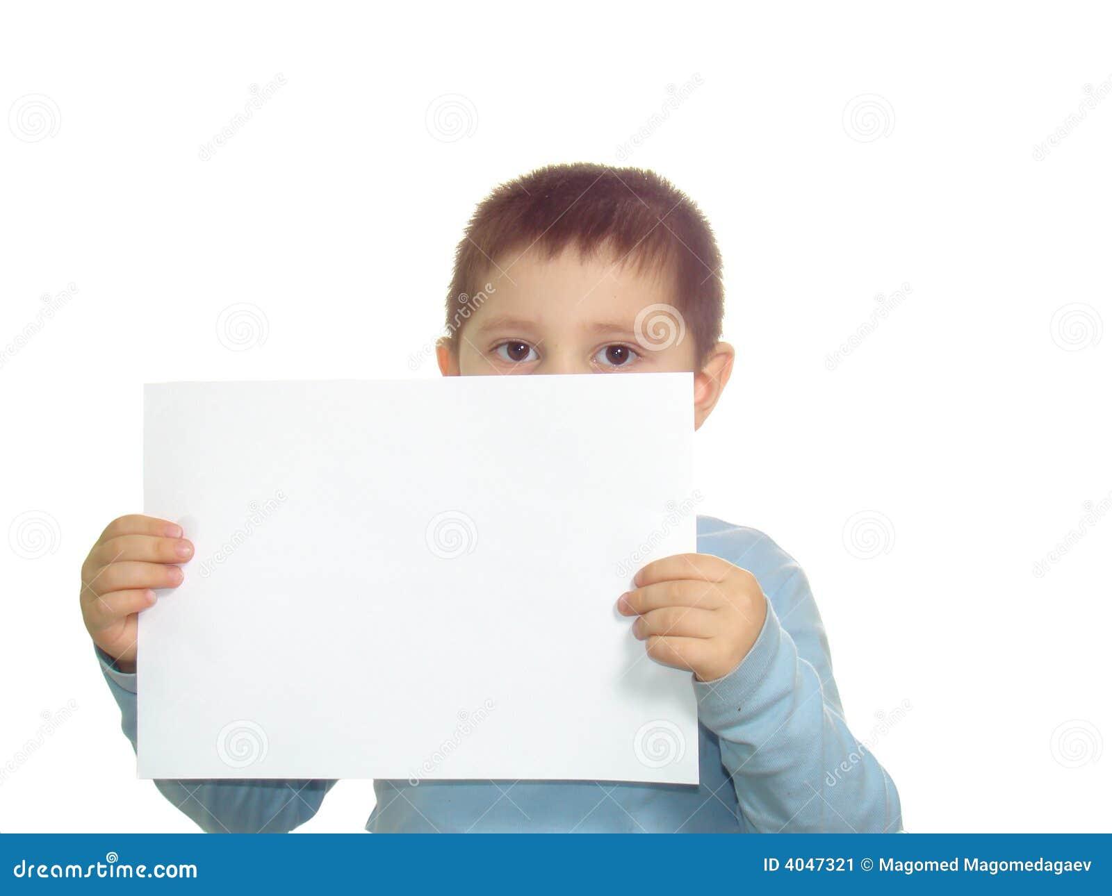 Bambino e documento