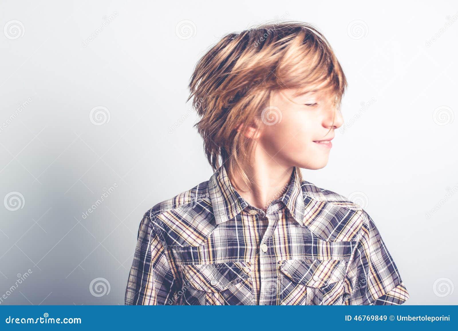 Bambino Fresco Con Capelli Lunghi Immagine Stock