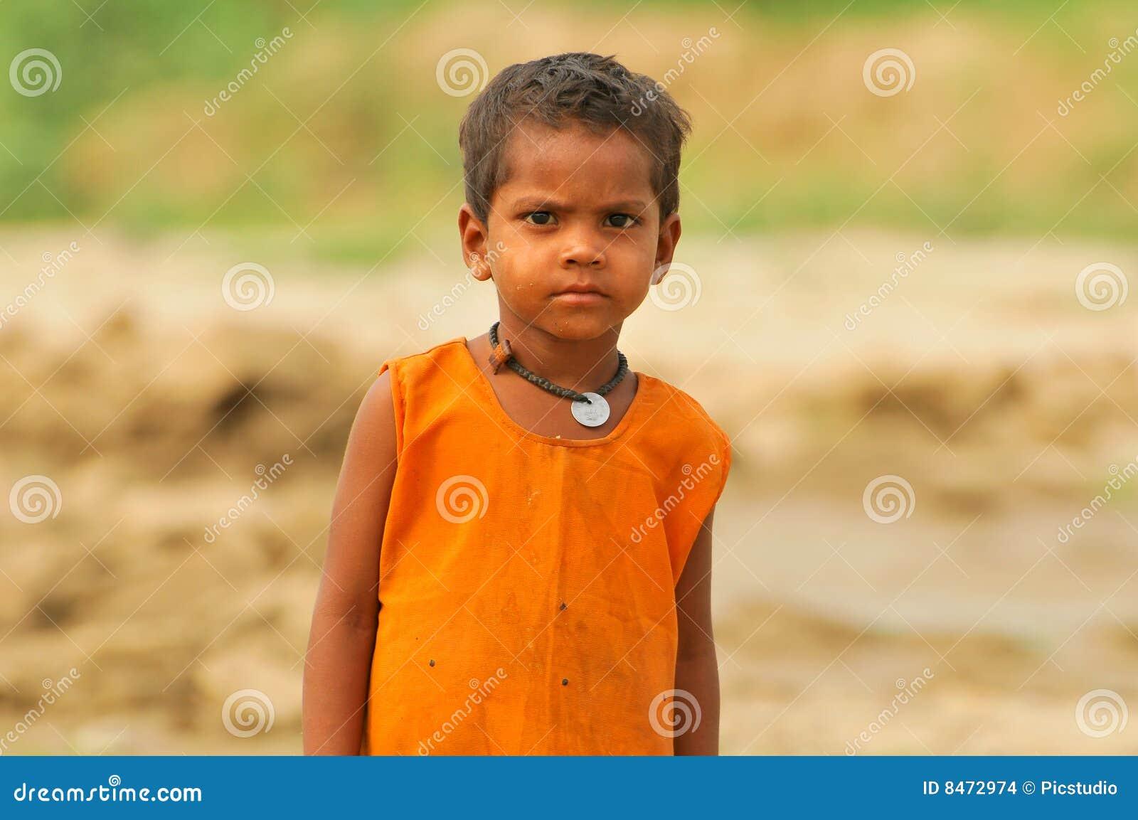 Bambino indiano povero