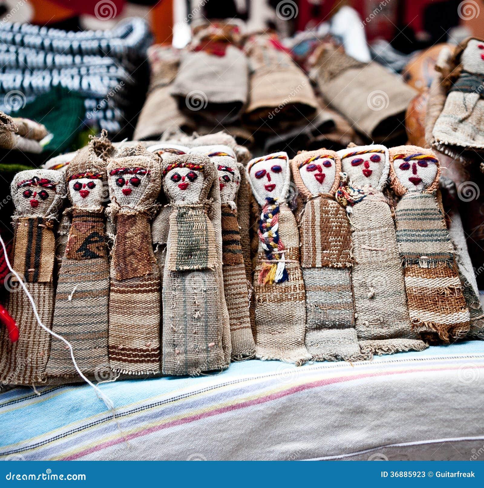 Download Bambole Da Vendere In Otavalo Immagine Stock - Immagine di vendita, bambini: 36885923
