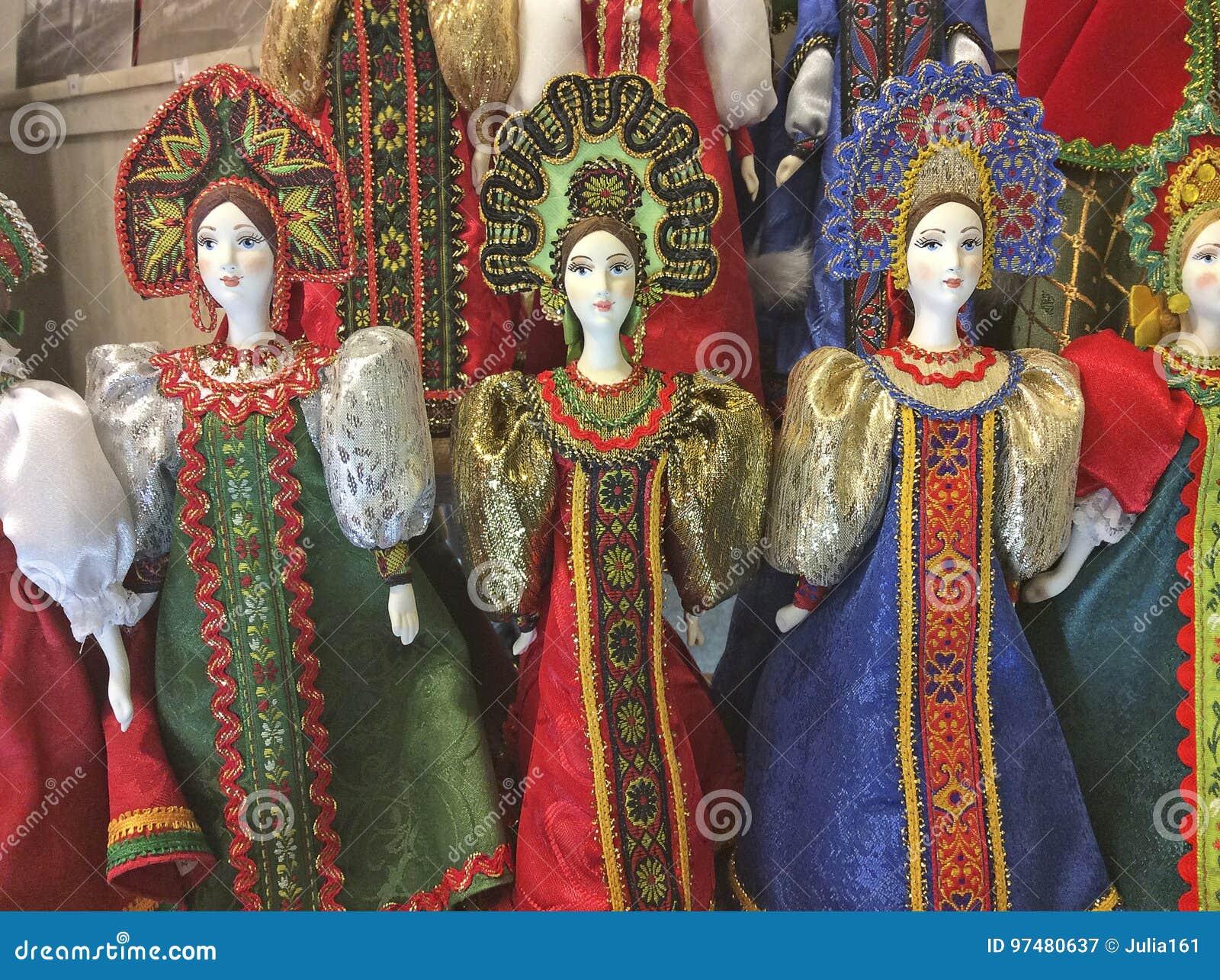 Bambole del Russo del costume