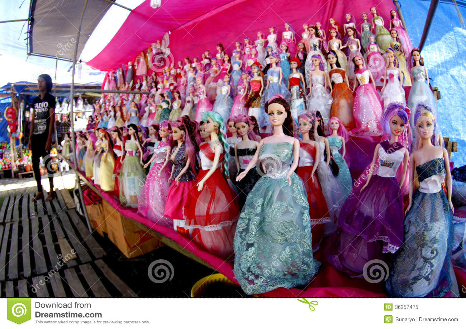 Bambole di barbie immagine editoriale immagine 36257475 for Bambole barbie
