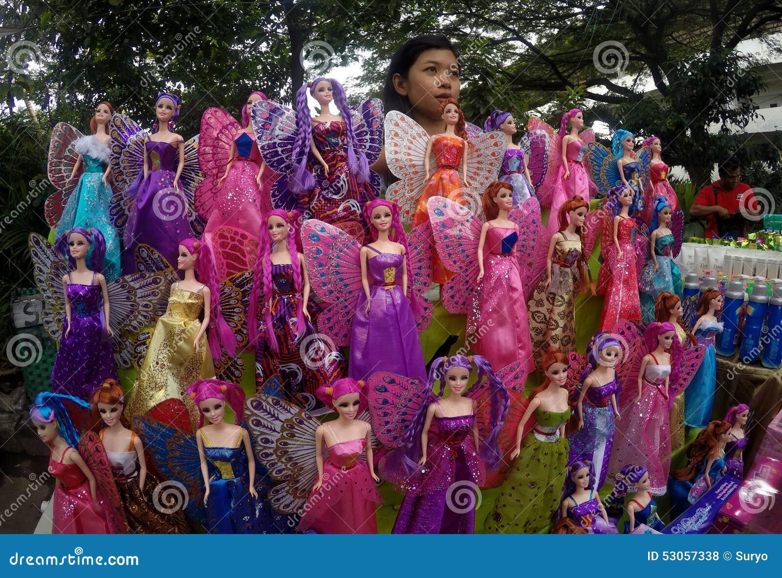 Bambole di barbie fotografia stock editoriale immagine for Bambole barbie