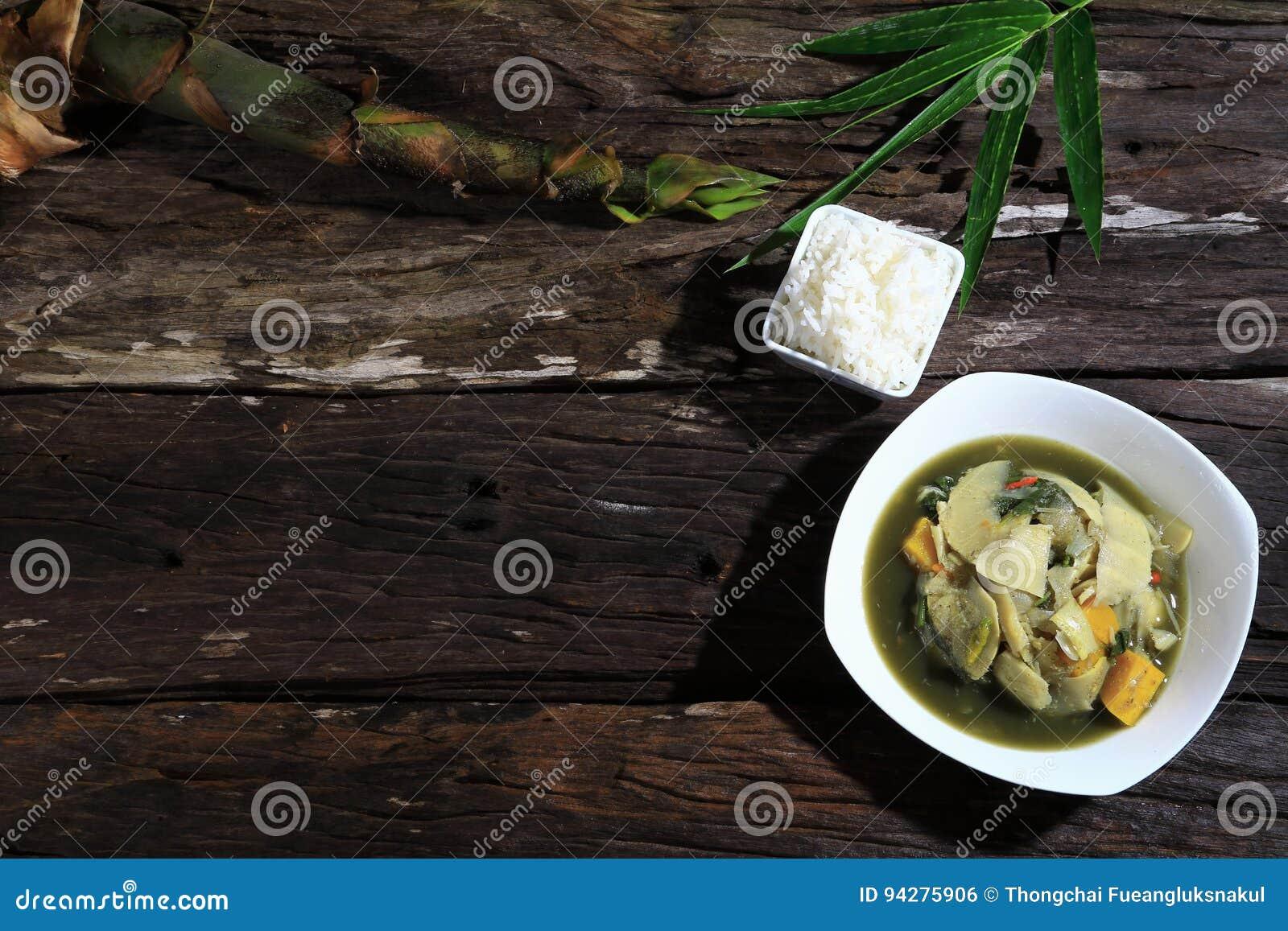 Bambusowego krótkopędu Thaifood zupnego północnego wschodu prawdziwy oryginał