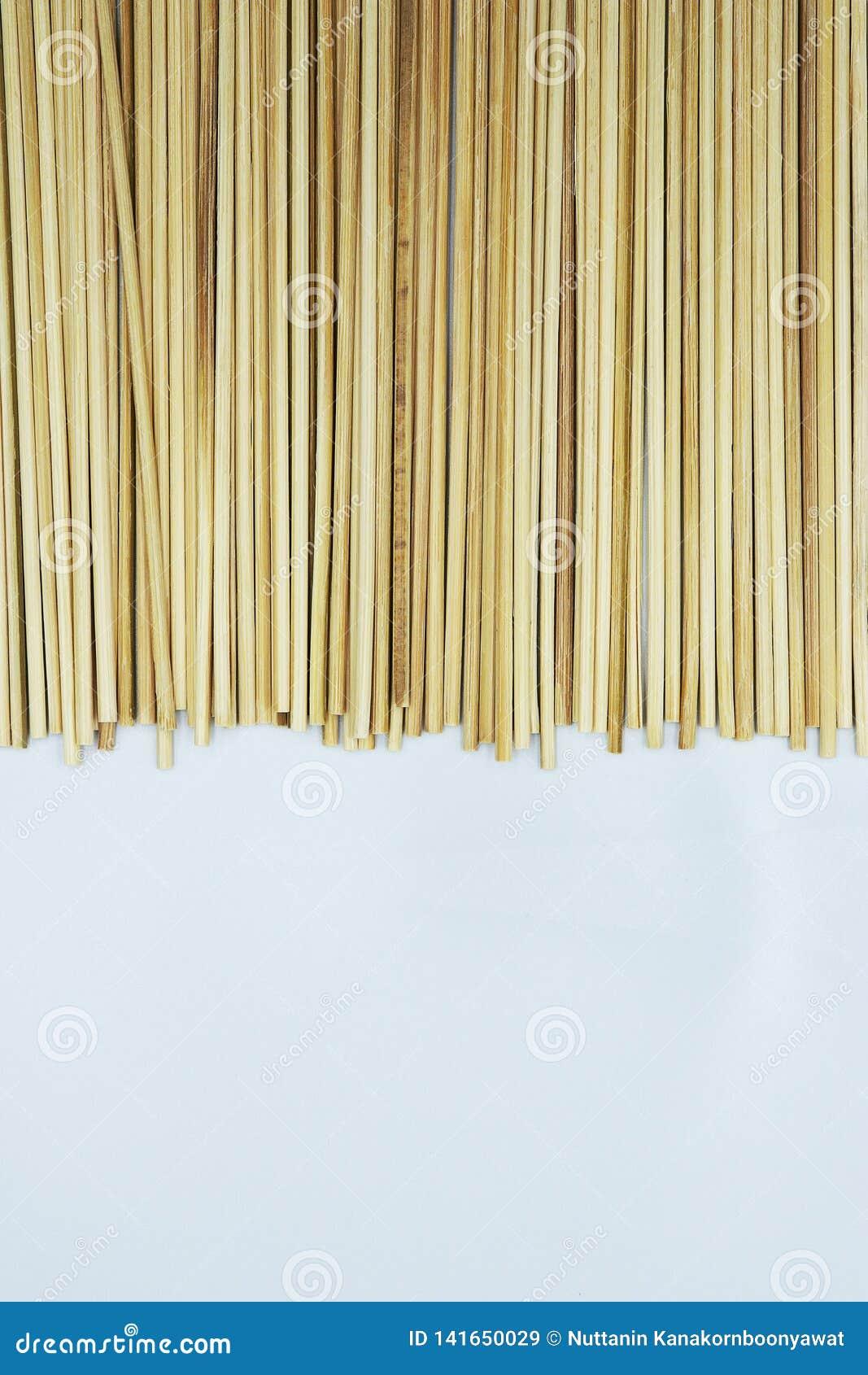 Bambusowy kija Skewer wtyka dla piec na grillu lub grilla tła tekstury