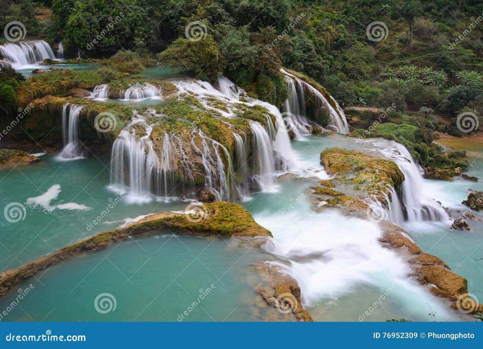 Ban Gioc Waterfall In Cao Bang Vietnam Stock Image Image Of Blue Bang 76952309