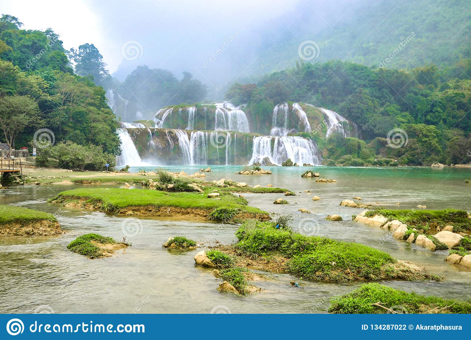 Ban Gioc Waterfall Or Detian Falls Vietnam S Best Known Waterfall Located In Cao Bang Border Near China Stock Photo Image Of Bestknown Border 134287022