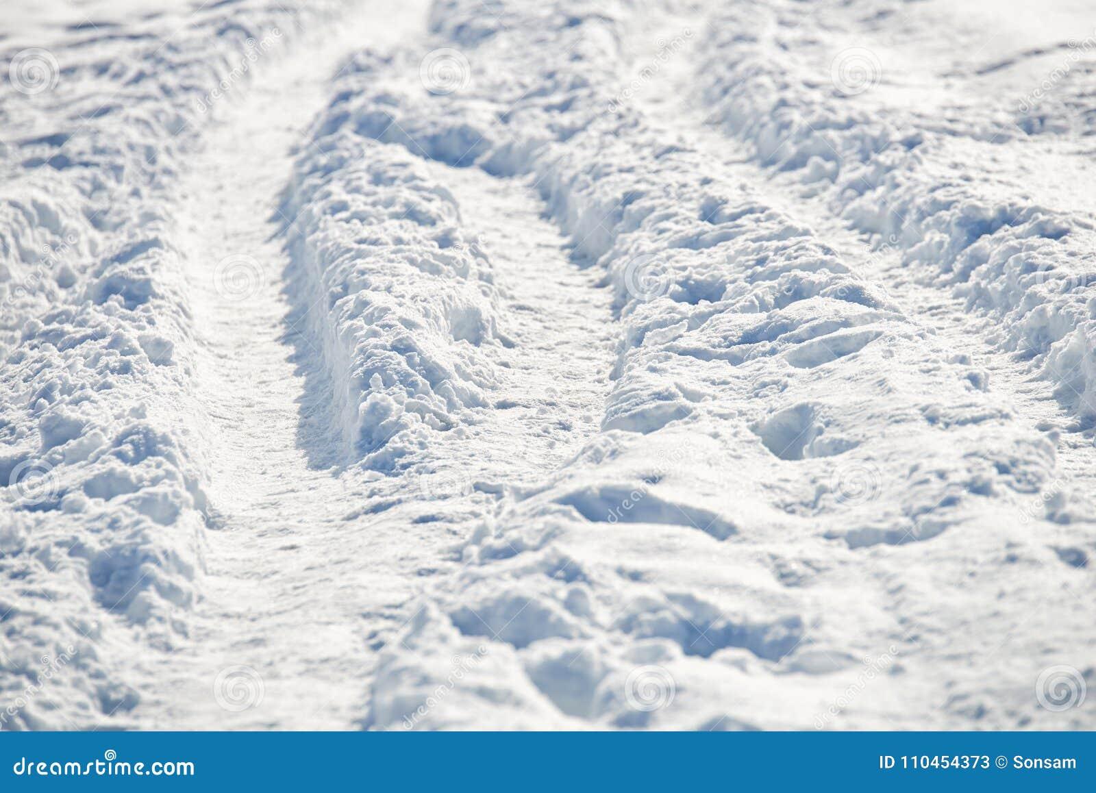 Bana i snö efter snöfall