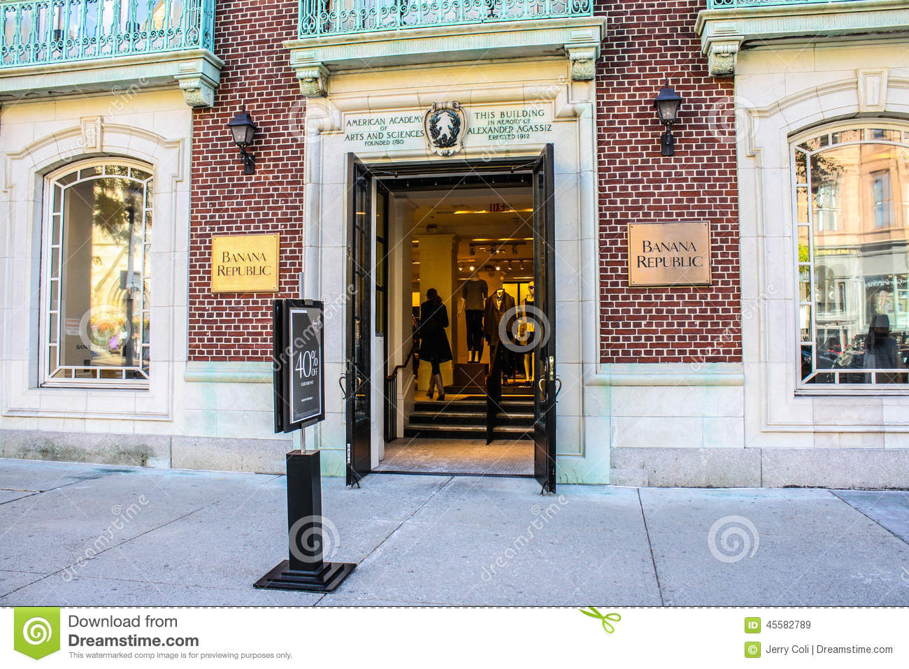 Banana Republic is located at the address State St in Boston, Massachusetts They can be contacted via phone at () for pricing, hours and directions. Banana Republic has an annual sales volume of 2M – 4,,Category: Clothing & Accessories,Shopping.
