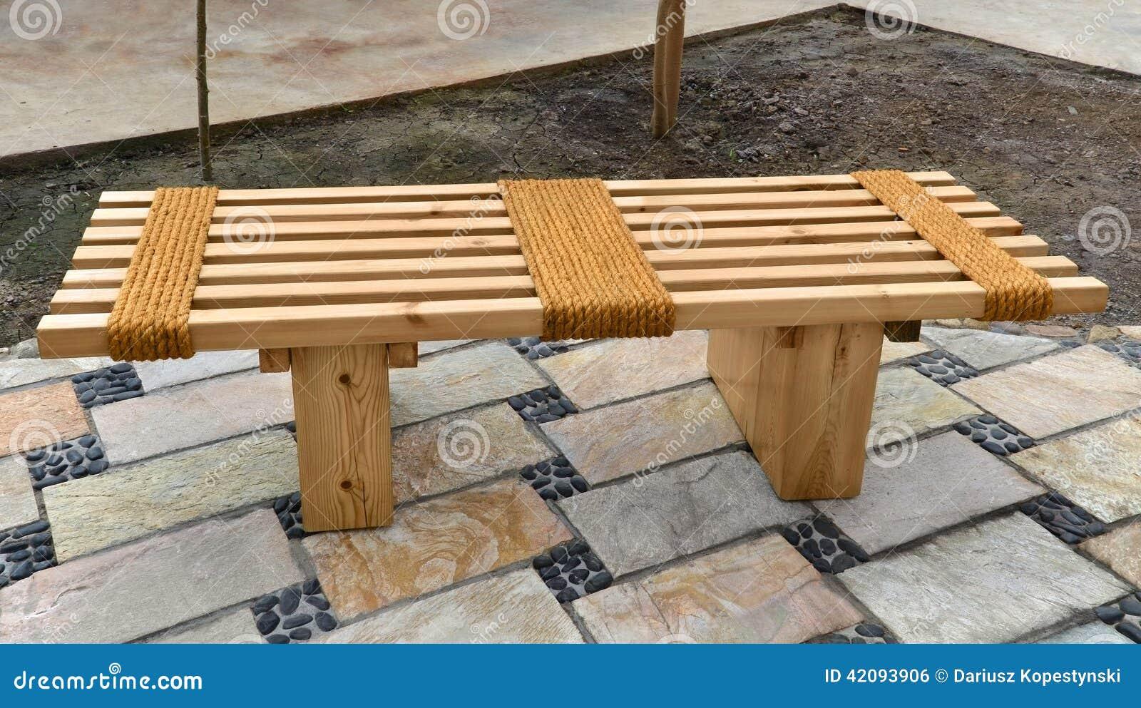 Banc de jardin photo stock. Image du meubles, idée, étage ...