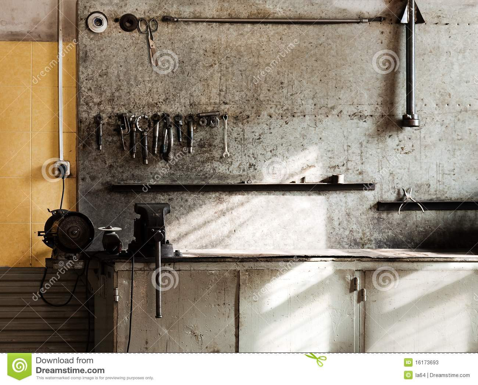 Bancada da oficina da ferramenta do equipamento do reparo do trabalho  #82A229 1300x1065