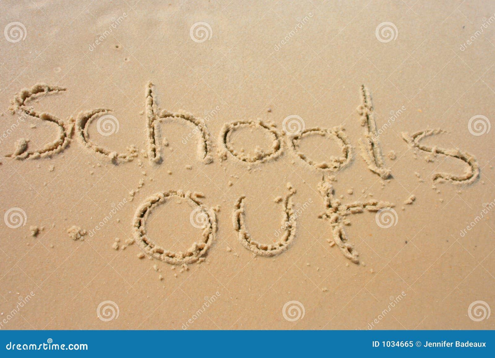 Banchi fuori nella sabbia