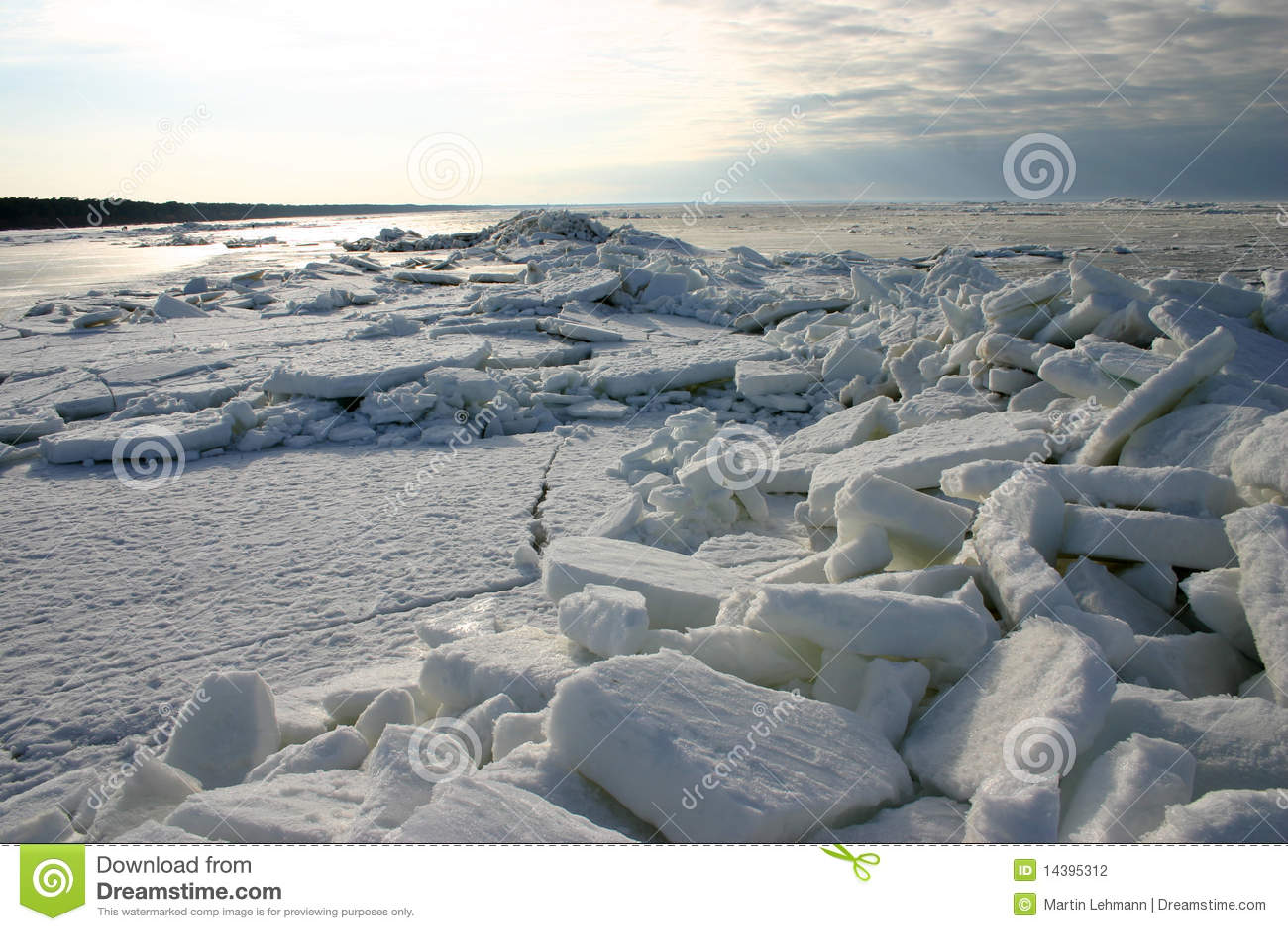 Banchise galleggianti di ghiaccio