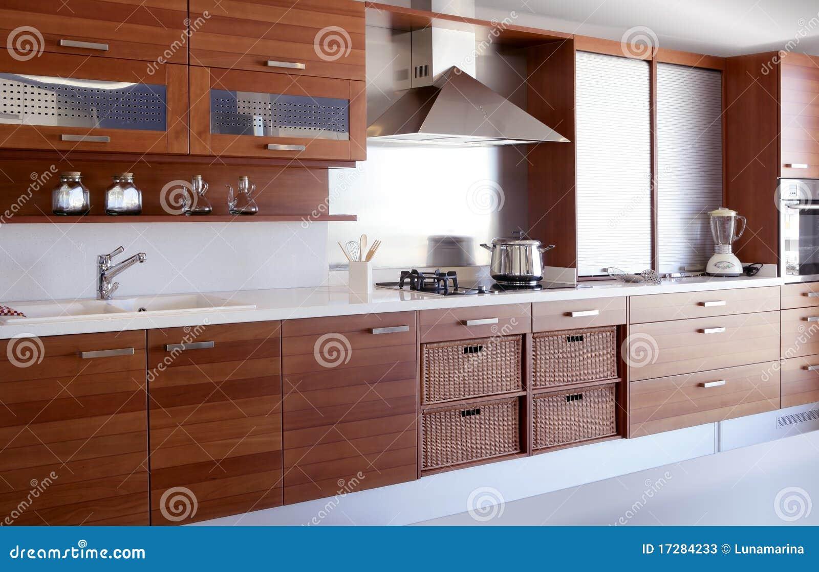 Banco Branco Da Cozinha Da Cozinha De Madeira Vermelha Imagem De Stock    Imagem De Casa, Cozinhar: 17284233