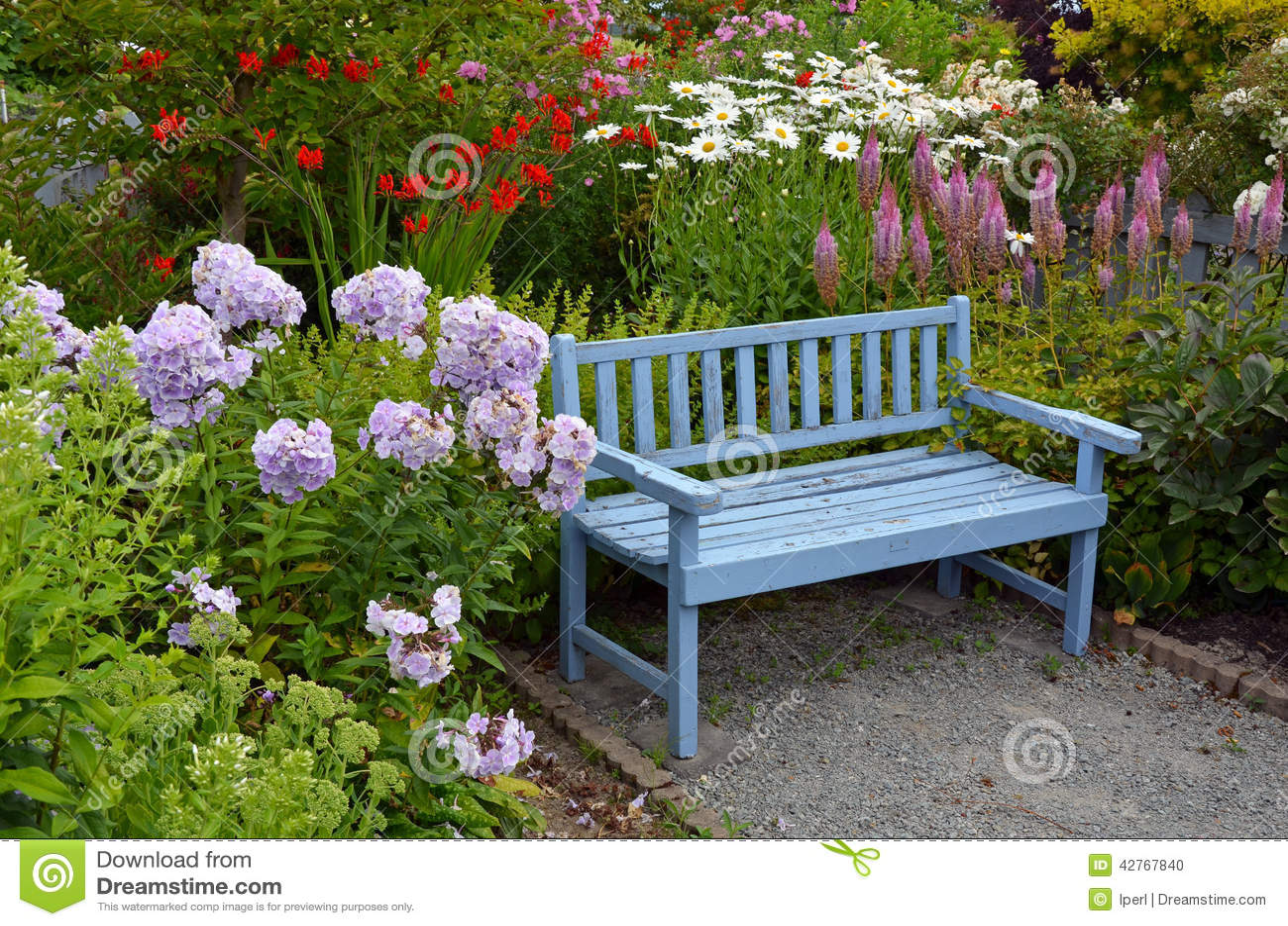 banco de jardim provencal:Banco de madeira azul velho do jardim no  #496116 1300x951