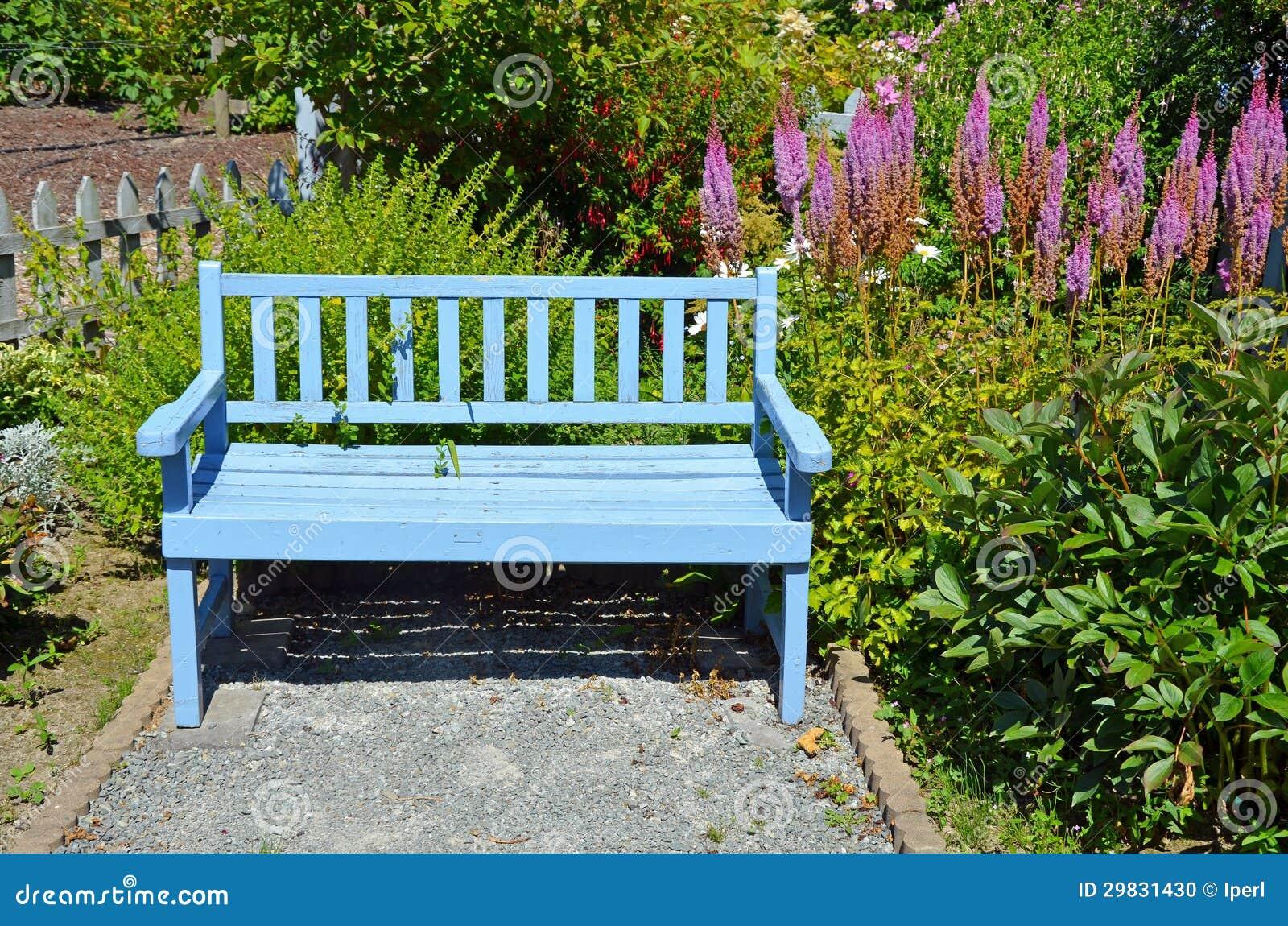 Banco azul do jardim